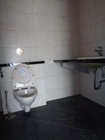 12J6U00510: Bathroom 2