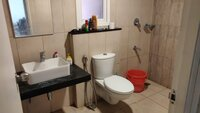 15A8U00747: Bathroom 1