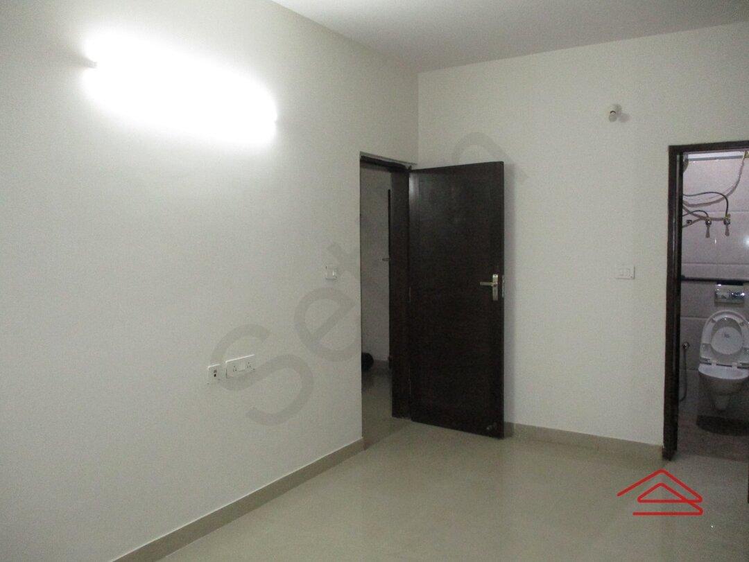 15S9U00363: Bedroom 1