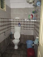 15M3U00287: Bathroom 1
