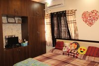 15A4U00325: Bedroom 1