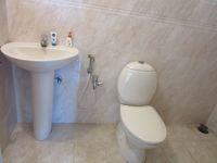 13J6U00201: Bathroom 1