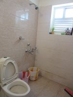 13J6U00201: Bathroom 2