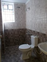 13OAU00189: Bathroom 2