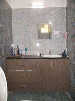 13J6U00474: Bathroom 1