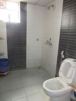 13J7U00328: Bathroom 2