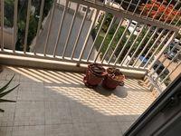 13J7U00054: Balcony 2