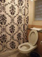 11OAU00171: Bathroom 1