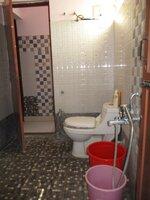 15F2U00420: Bathroom 2