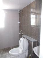 12A4U00144: Bathroom 2
