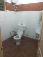 15F2U00100: Bathroom 1