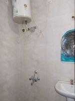 13M5U00279: Bathroom 1