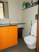 13A8U00259: Bathroom 4