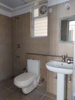 15A4U00372: Bathroom 2
