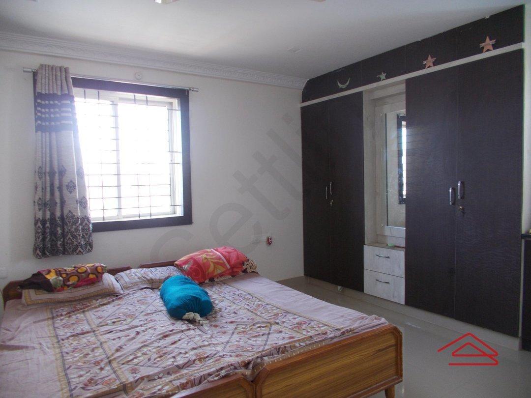 13OAU00248: Bedroom 1