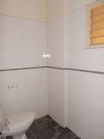 13M5U00630: Bathroom 2