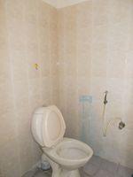 13M5U00630: Bathroom 3