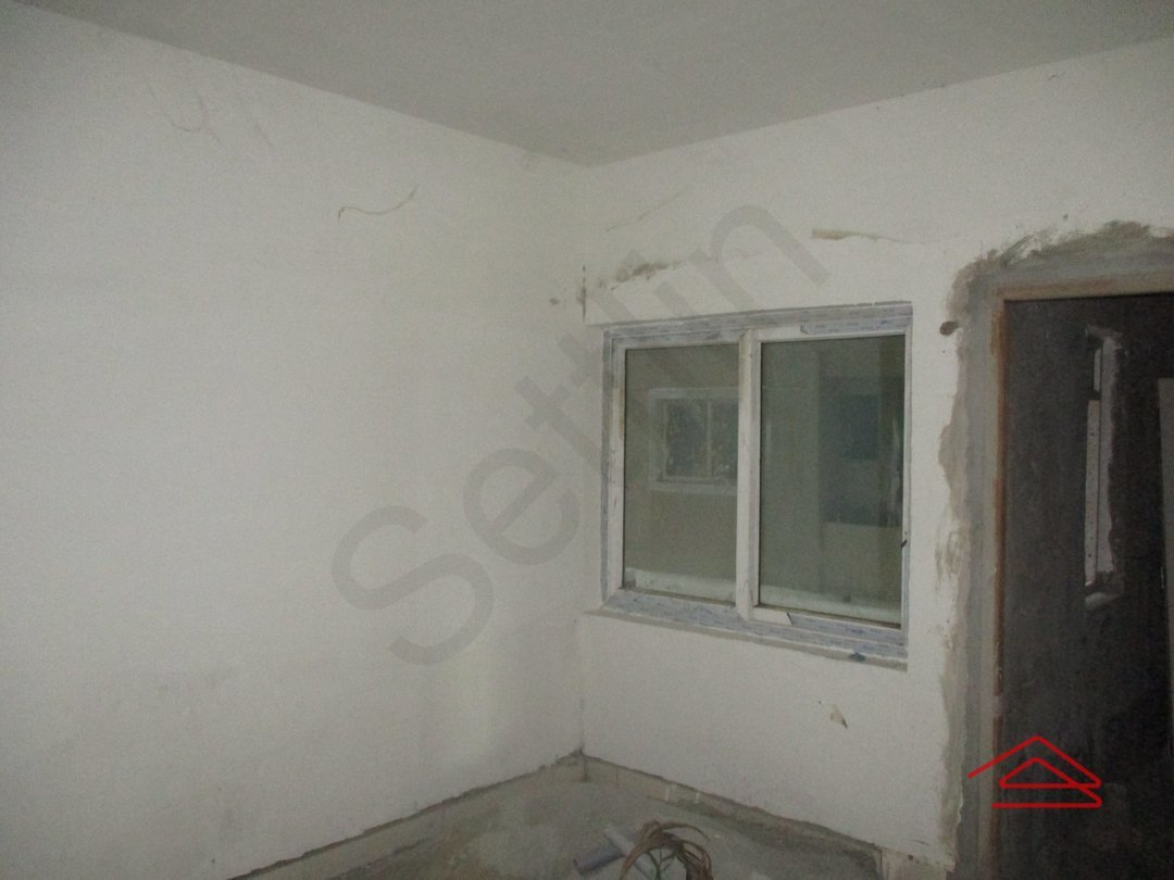 14J1U00450: Bedroom 1