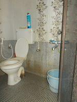 13A4U00109: Bathroom 1