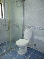 15S9U00648: Bathroom 3