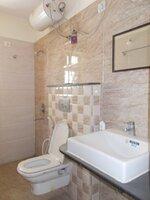 15F2U00016: Bathroom 1