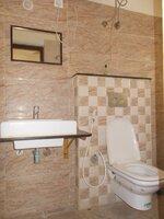 15F2U00016: Bathroom 3