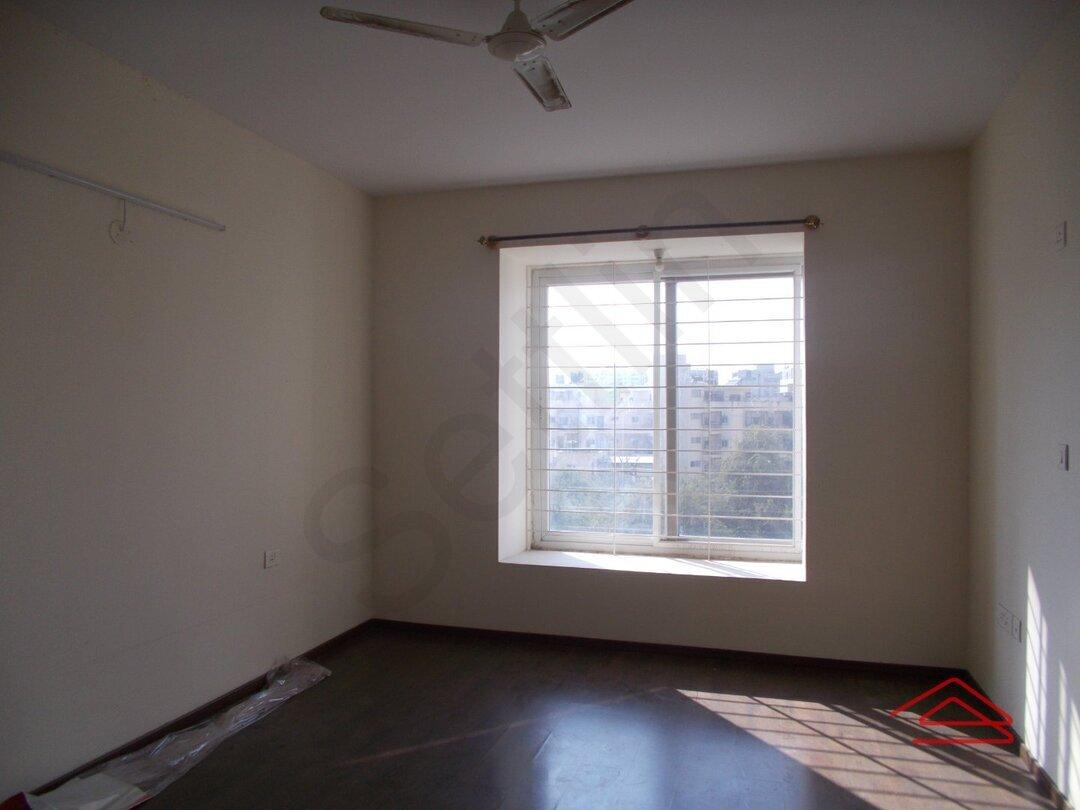 15F2U00016: Bedroom 1
