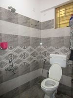 13M5U00621: Bathroom 1