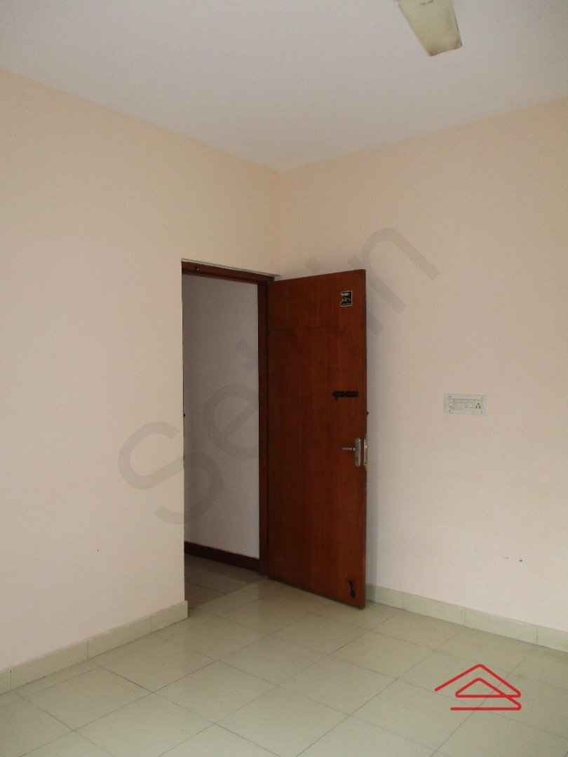 15S9U00456: Bedroom 1
