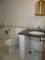 15A4U00165: Bathroom 3