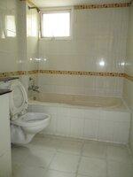 15A4U00165: Bathroom 1