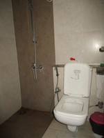 11J6U00372: Bathroom 2