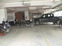 11J6U00372: parking 1