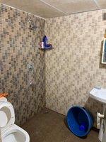 13DCU00163: Bathroom 2