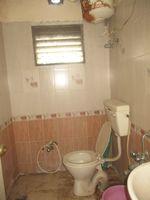 11A8U00275: Bathroom 3