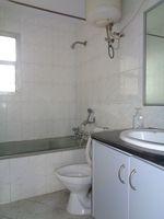 12J7U00177: Bathroom 2