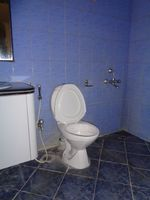 12J7U00177: Bathroom 1