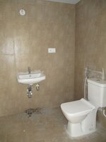 15J1U00358: Bathroom 2