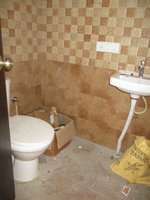 14J6U00001: Bathroom 1
