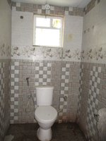 14J6U00001: Bathroom 2