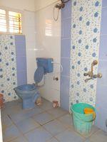 5: Bathroom 2