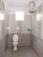 13M3U00069: Bathroom 1