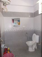 13M3U00069: Bathroom 2