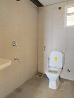 15J7U00432: Bathroom 2