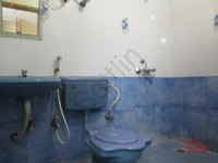 10NBU00466: Bathroom 1