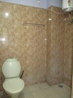 15F2U00119: Bathroom 2