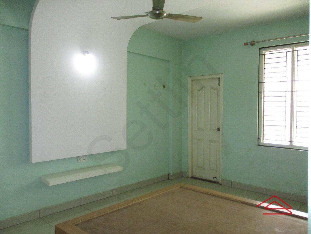 15F2U00119: Bedroom 1