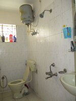 15OAU00042: Bathroom 2