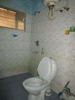 13M5U00281: Bathroom 2