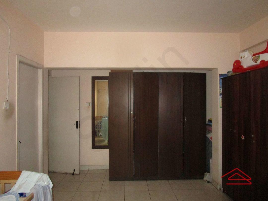 13M5U00281: Bedroom 1